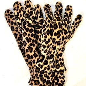 Fownes leopard print gloves NWT